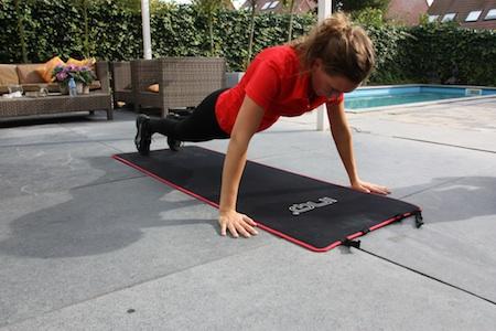 Ook push-ups zijn onderdeel van een modelworkout